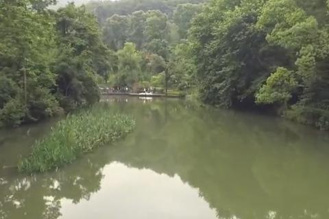 航拍美丽贵阳小车河湿地公园